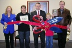 Ribbon cutting held for Edward Jones office of Andy Offutt